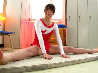 Aoyama Arisa cums again and again from fucktoys